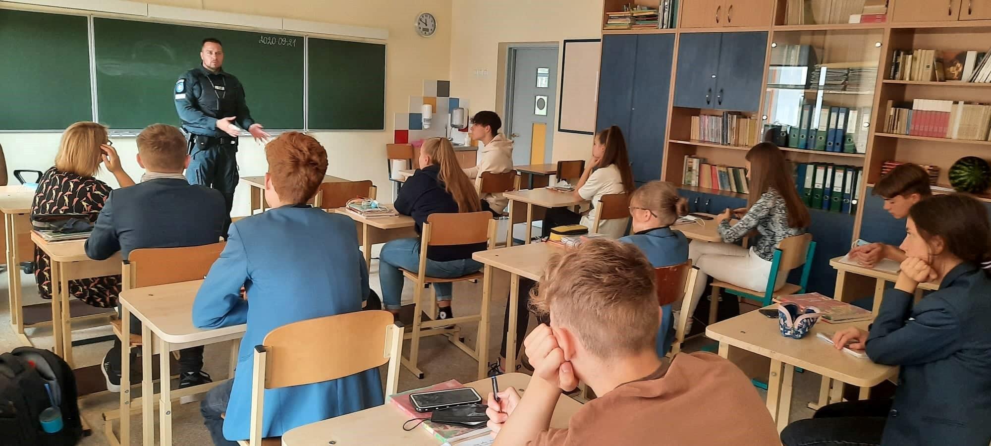 Apie teises ir pareigas Neringos gimnazijoje