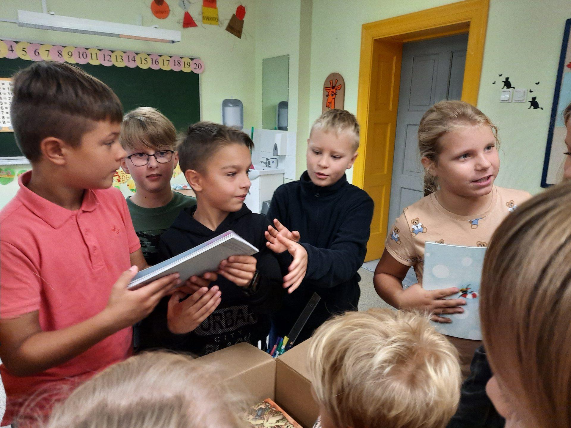 """Skaitymo skatinimo projektas """"Rašytojo laiškas"""" 3-4 klasių mokiniams"""